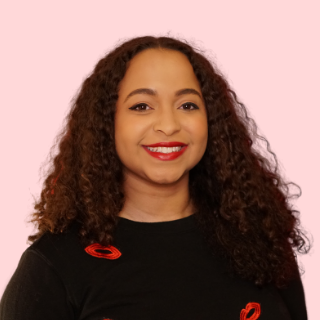 Kim Barnes | LipstickAndTech.com